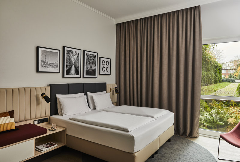 CROWNE PLAZA HAMBURG CITY ALSTER-Wheelchair Accessible<br/>Image from Leonardo