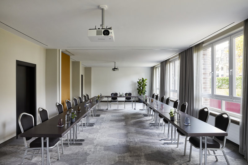 CROWNE PLAZA HAMBURG CITY ALSTER-Conference 3&4<br/>Image from Leonardo