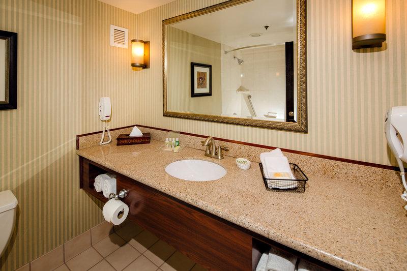 Holiday Inn Burbank - Media Center-King Suite Bathroom<br/>Image from Leonardo
