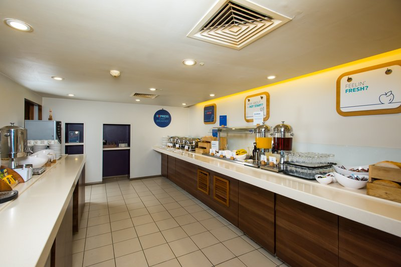 Holiday Inn Express Lincoln City Centre-Help yourself to breakfast  - it's included for every guest<br/>Image from Leonardo