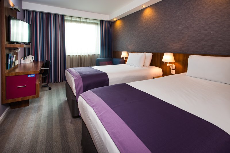 Holiday Inn Express Lincoln City Centre-Sharing's caring! Our twin rooms sleep up to two people<br/>Image from Leonardo