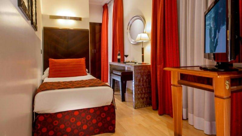 Ariston Hotel-Superior Single Room<br/>Image from Leonardo