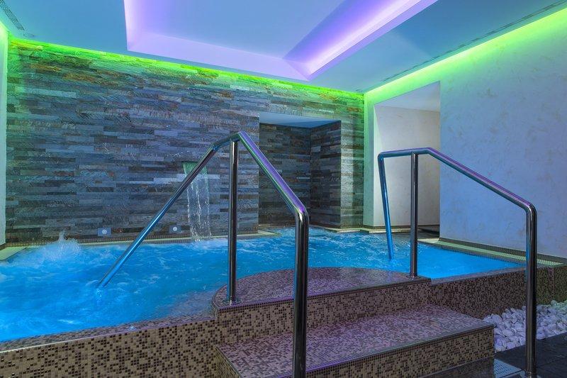 Artemide Hotel-Artemis Spa Jacuzzi<br/>Image from Leonardo