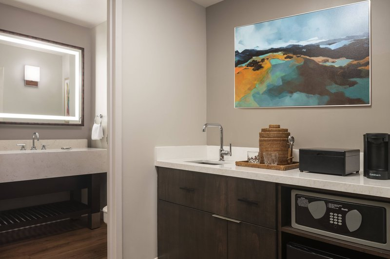 Waikoloa Beach Marriott - Ocean View One Bedroom Suite - Half Bathroom & Wet Bar <br/>Image from Leonardo