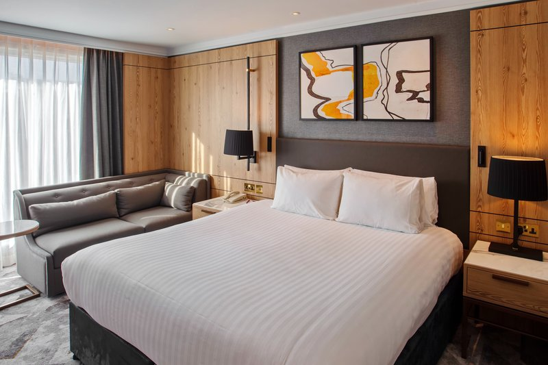Crowne Plaza Marlow-King Bed Room<br/>Image from Leonardo
