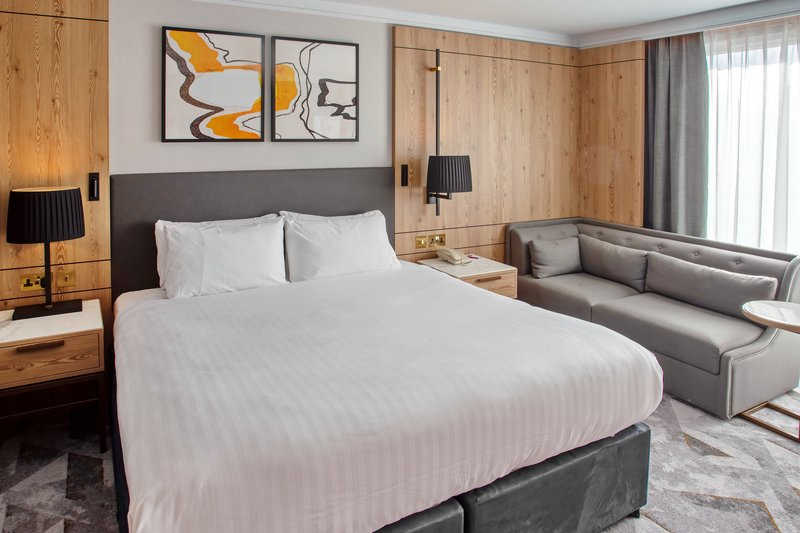 Crowne Plaza Marlow-Accessible Guest Room<br/>Image from Leonardo
