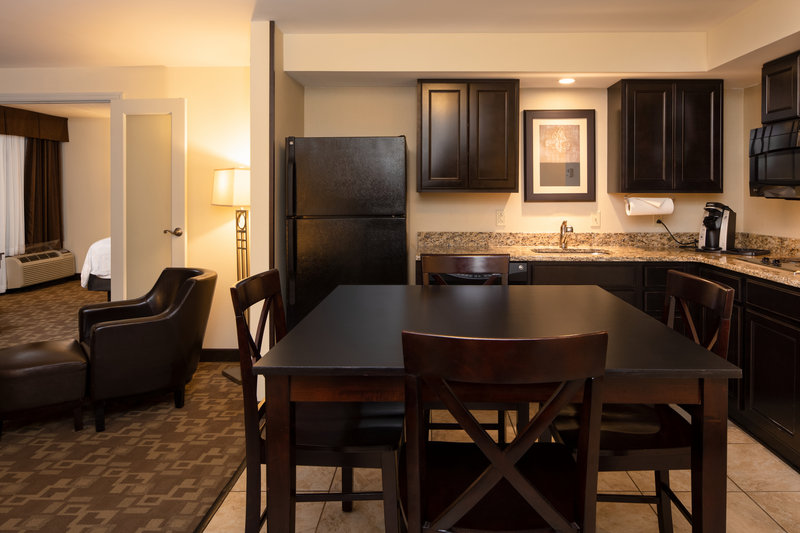 Holiday Inn Hotel & Suites Charleston West-Enjoy your meals at a proper dining space in one of our suites! <br/>Image from Leonardo