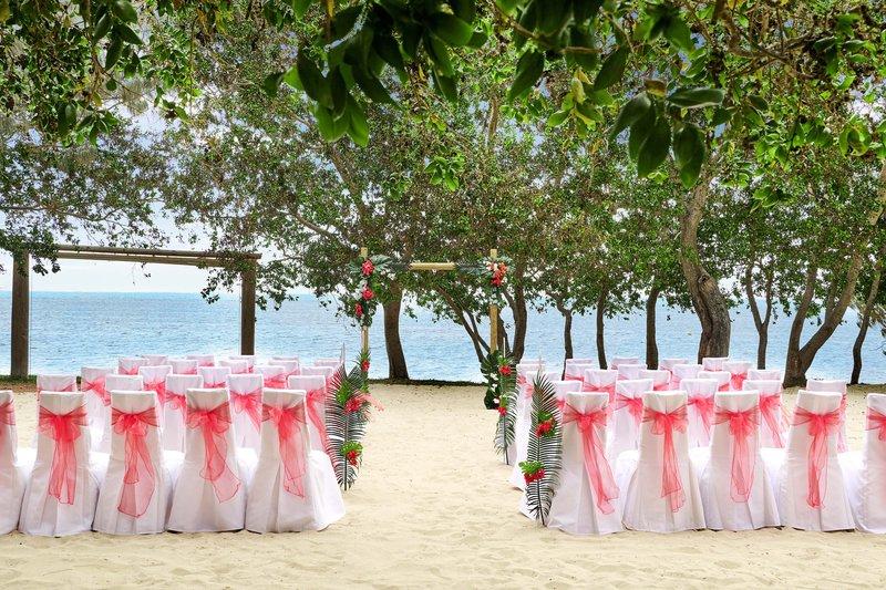 Sheraton New Caledonia Deva Spa And Golf Resort-Wedding Ceremony At Sand Beach Grill<br/>Image from Leonardo