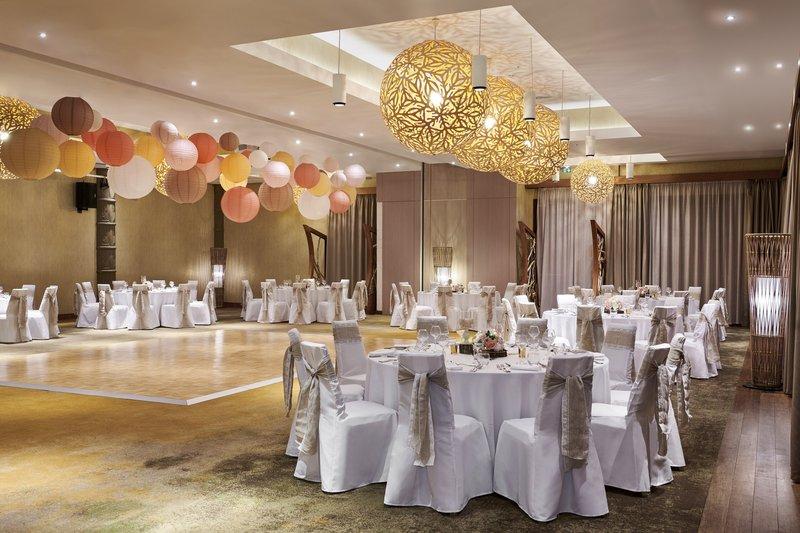 Sheraton New Caledonia Deva Spa And Golf Resort-Nera Ballroom - Wedding Reception<br/>Image from Leonardo
