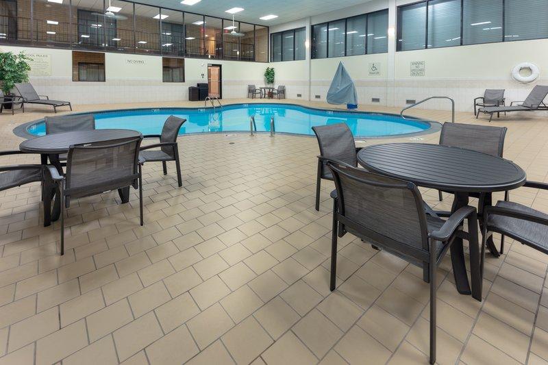 Best Western Wichita North-Pool<br/>Image from Leonardo