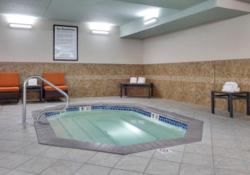 Holiday Inn Express & Suites Scottsbluff-Gering-Whirlpool<br/>Image from Leonardo