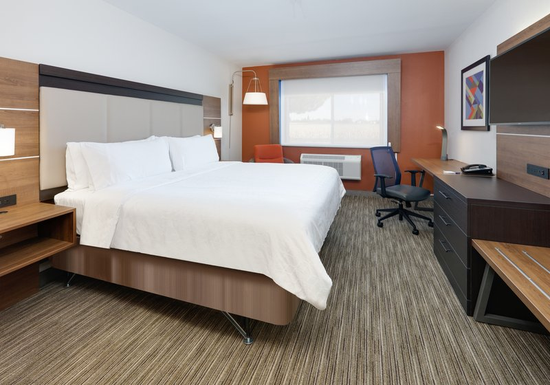 Holiday Inn Express & Suites Scottsbluff-Gering-Guest Room<br/>Image from Leonardo