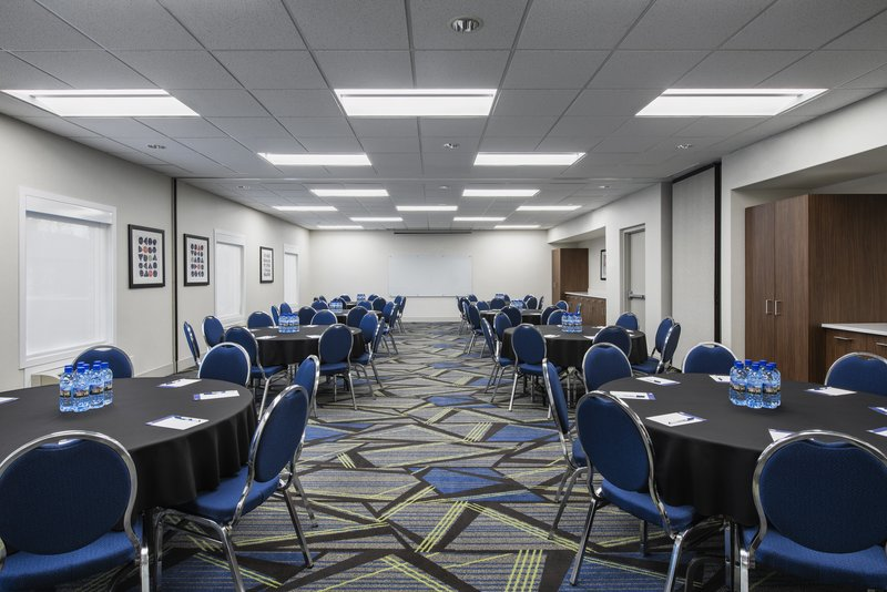 Holiday Inn Express Saskatoon Centre-Meeting Room <br/>Image from Leonardo