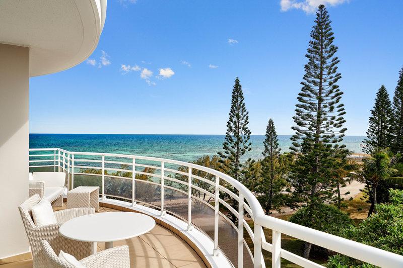 Le Meridien Noumea Resort & Spa-Dipomatic Suite Terrace<br/>Image from Leonardo