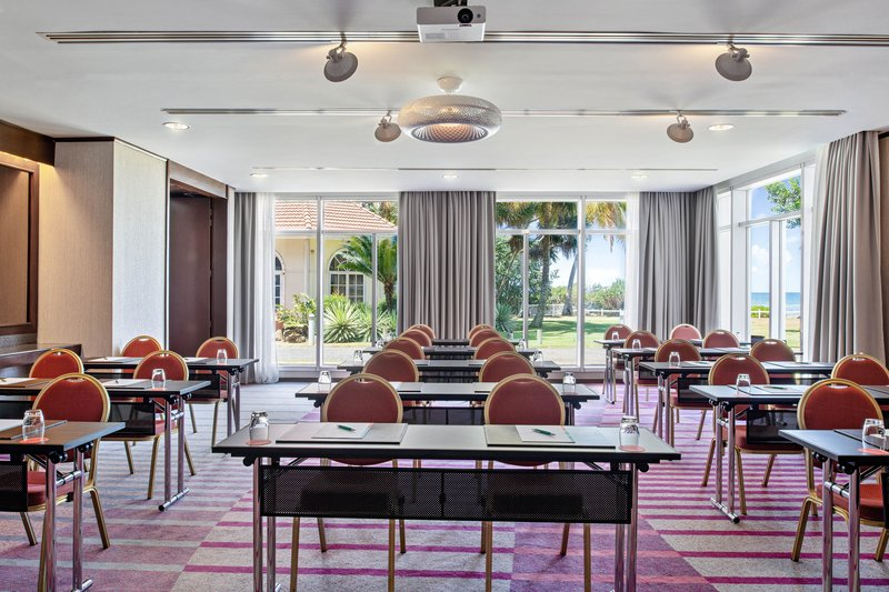 Le Meridien Noumea Resort & Spa-Entrecasteaux Meeting Room<br/>Image from Leonardo