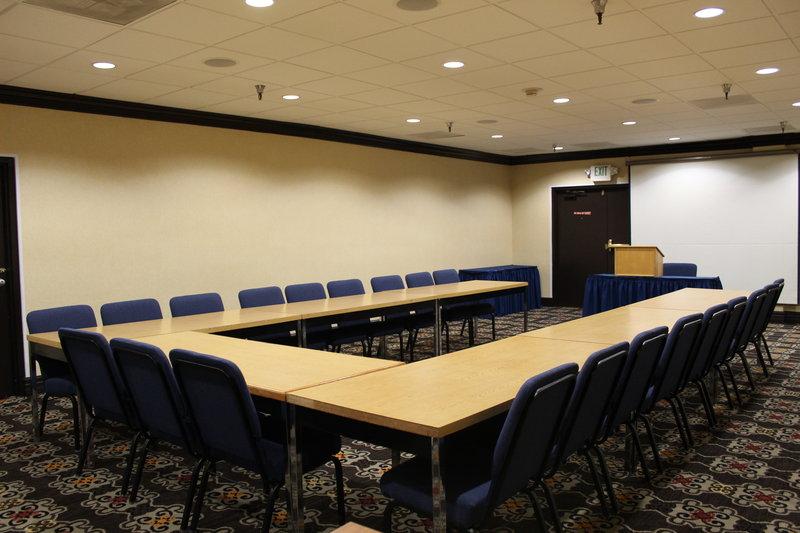 Holiday Inn Burbank - Media Center-Meeting Room 8 - U-Shape<br/>Image from Leonardo