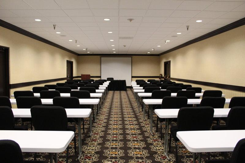 Holiday Inn Burbank - Media Center-Meeting Room 10 - Classroom Set-Up<br/>Image from Leonardo