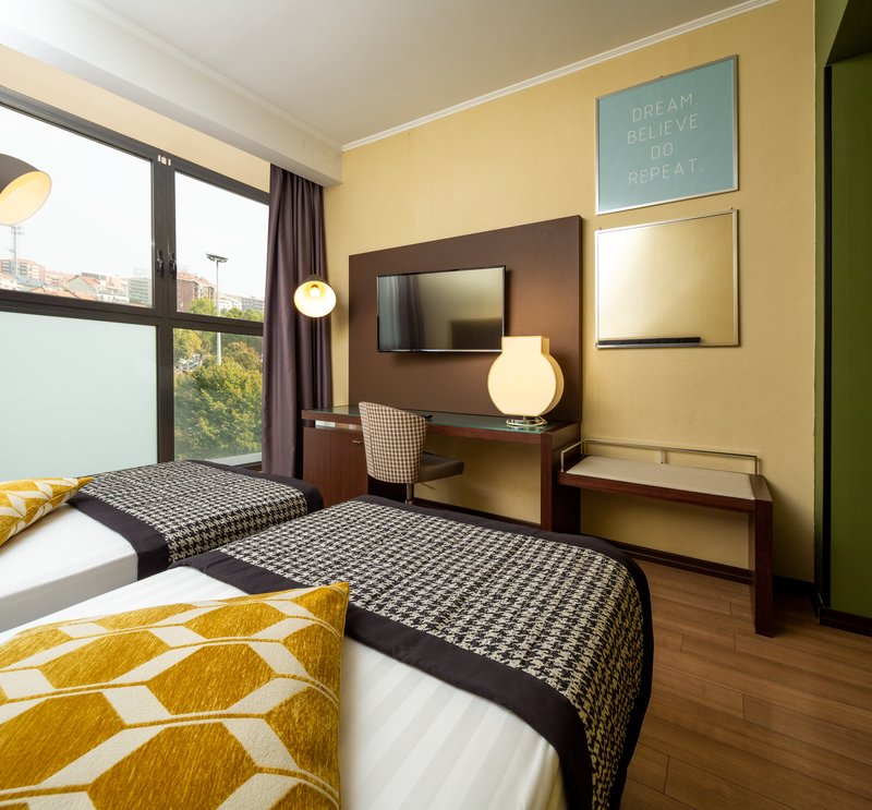 Holiday Inn Turin - Corso Francia-Double Bed Guest Room<br/>Image from Leonardo