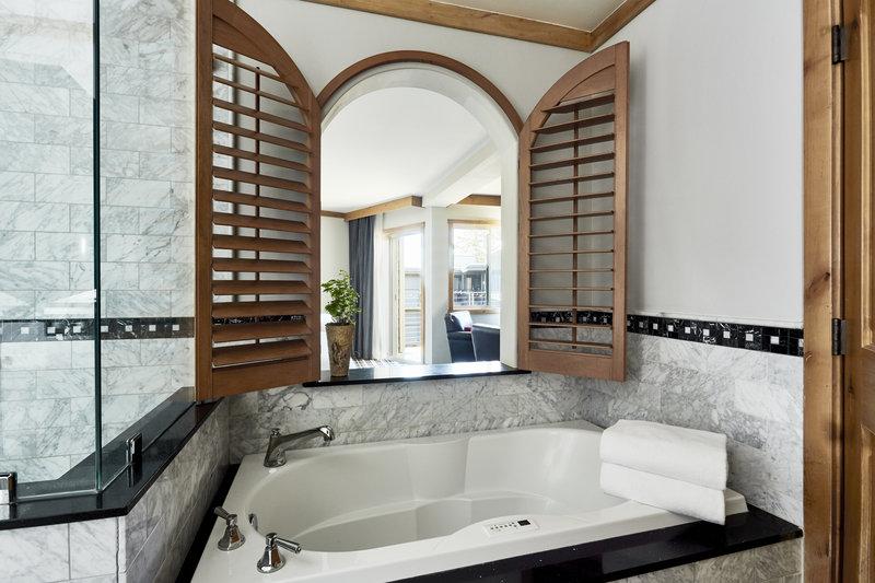 The Landing Resort and Spa-Premium Room Bathroom<br/>Image from Leonardo