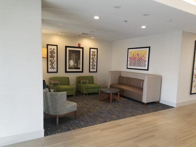 Holiday Inn Express & Suites Dinuba West-Holiday Inn Express & Suites Dinuba West Lobby<br/>Image from Leonardo