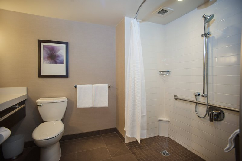 Delta Hotels by Marriott Victoria Ocean Point Resort-Accessible Bathroom - Roll-In-Shower<br/>Image from Leonardo