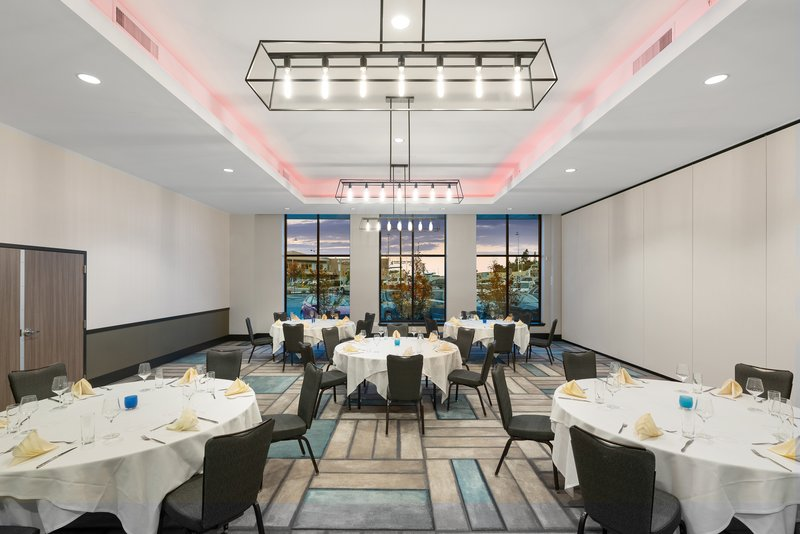 Hotel Indigo Seattle Everett Waterfront-Harbor Ballroom Reception<br/>Image from Leonardo