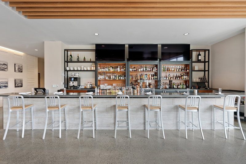 Hotel Indigo Seattle Everett Waterfront-Bar at Jetty Bar & Grille<br/>Image from Leonardo