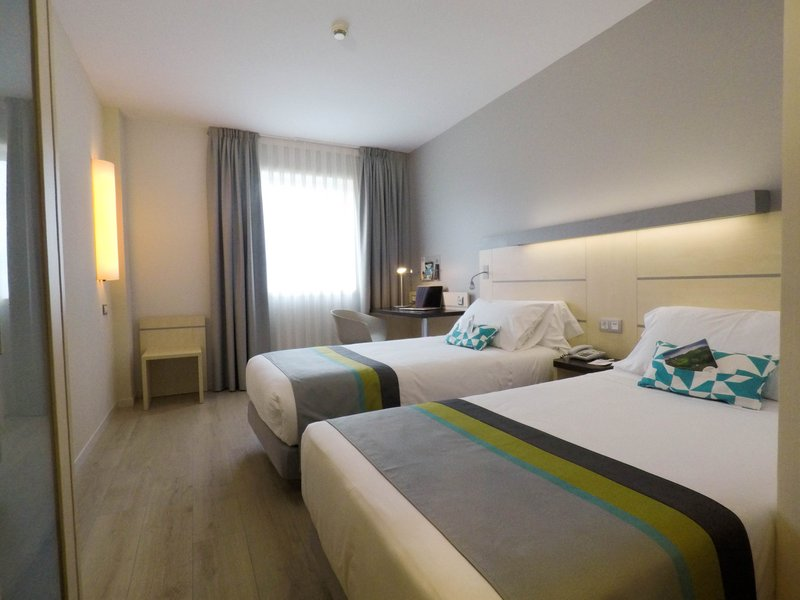 Holiday Inn Express Pamplona-Guest Room<br/>Image from Leonardo