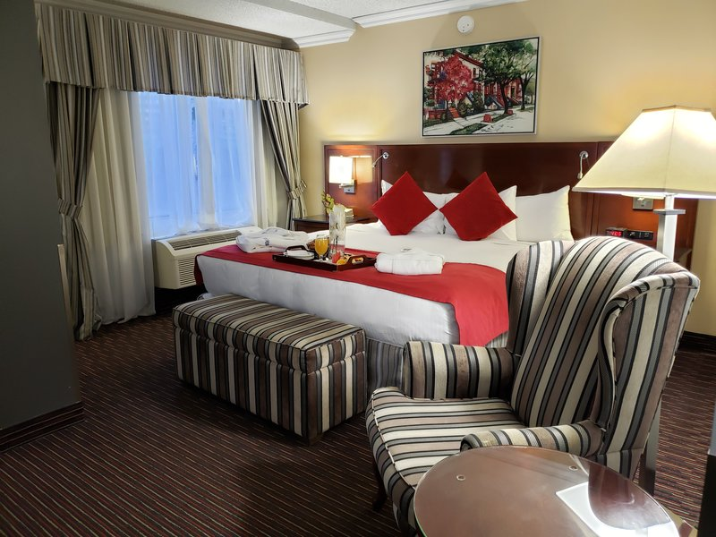 Le Nouvel Hotel and Spa-Standard King Room<br/>Image from Leonardo