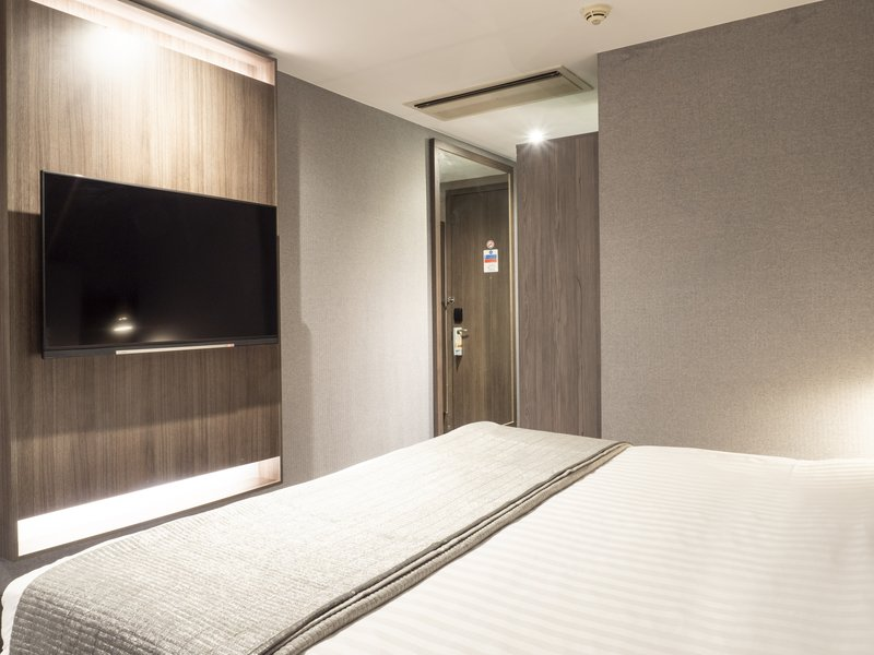 Holiday Inn London - Kingston South-Double Bed Guest Room<br/>Image from Leonardo