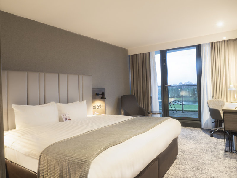 Holiday Inn London - Kingston South-Deluxe Room<br/>Image from Leonardo