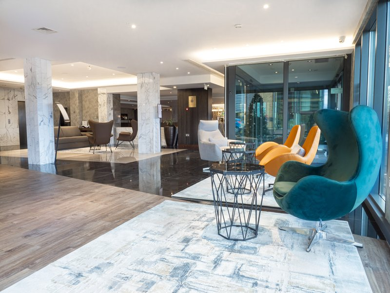 Holiday Inn London - Kingston South-Hotel Entrance Lobby<br/>Image from Leonardo