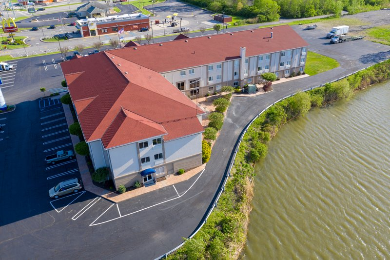 Holiday Inn Express & Suites Port Clinton - Catawba Island-Plenty of Free  parking for boats, trucks, buses, and trailors. <br/>Image from Leonardo