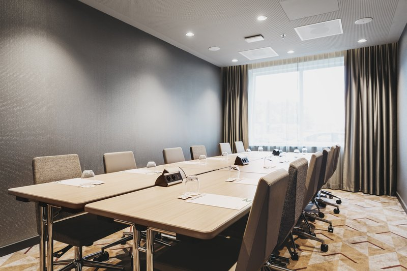 Holiday Inn Eindhoven Airport-Meeting room Fokker 1 in boardroom setup<br/>Image from Leonardo