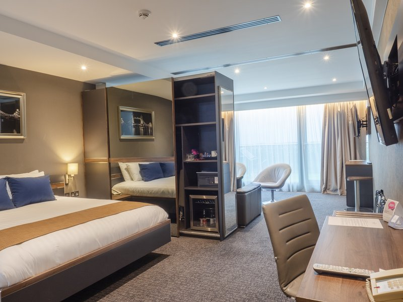 Holiday Inn London - Kingston South-King Bed Deluxe<br/>Image from Leonardo