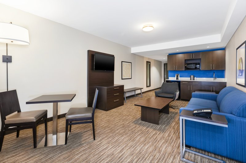 Holiday Inn Express Winnipeg Airport - Polo Park-Our Suite lounge area includes a Sofa Bed!<br/>Image from Leonardo