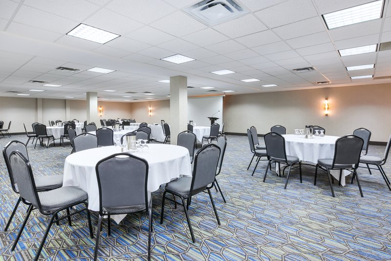 Holiday Inn Express Winnipeg Airport - Polo Park-Ellice Room for all your meeting needs<br/>Image from Leonardo