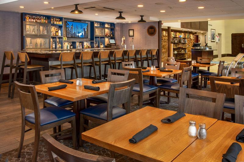 Four Points Philadelphia City Center-Cherry Lounge Restaurant & Bar<br/>Image from Leonardo