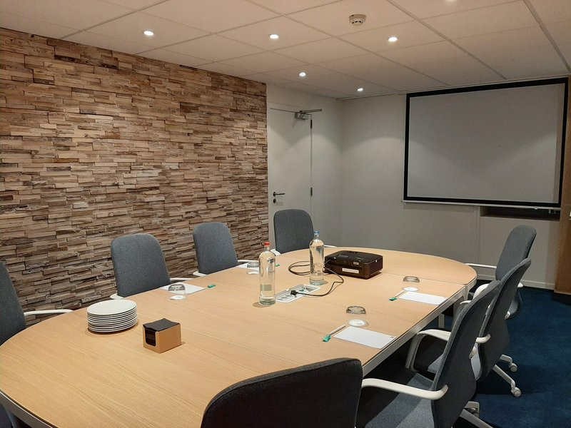 Holiday Inn Express Gent-Holiday Inn Express Board Room up to 10 persons<br/>Image from Leonardo