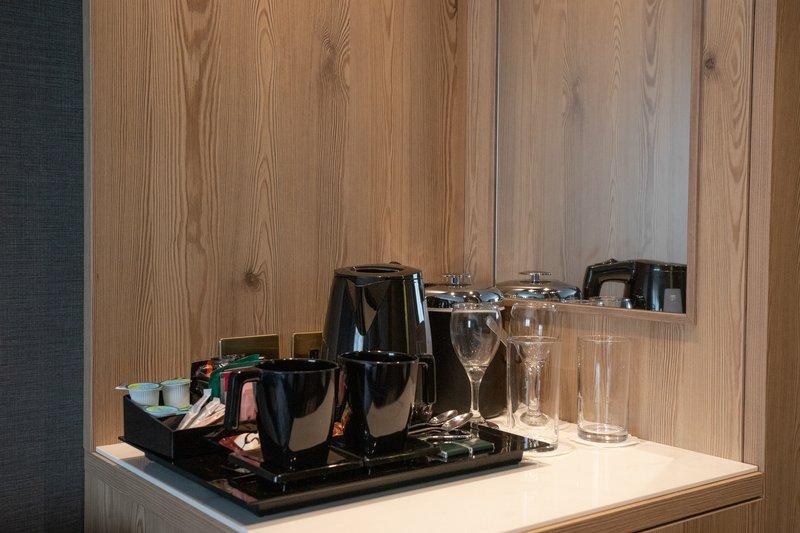 Crowne Plaza Marlow-Tea/Coffee facilities<br/>Image from Leonardo