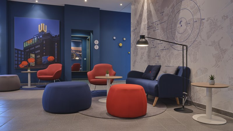 Holiday Inn Express Dortmund-Stay relaxed in our cozy Lobby area<br/>Image from Leonardo