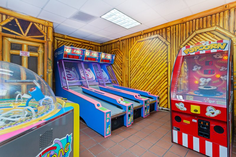 Holiday Inn & Suites Clearwater Beach S Harbour-Win tickets to redeem for prizes in the Gecko's Game Room.<br/>Image from Leonardo
