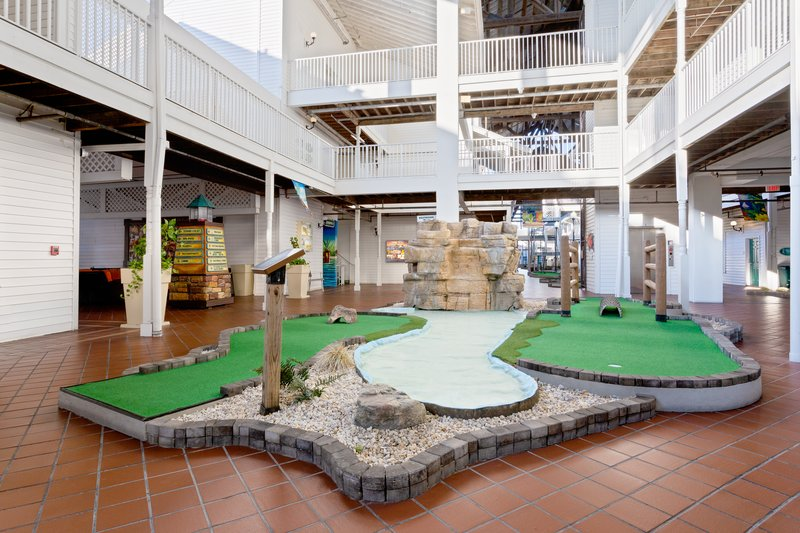 Holiday Inn & Suites Clearwater Beach S Harbour-Play a round of putt-putt at our covered 18-hole mini golf course.<br/>Image from Leonardo
