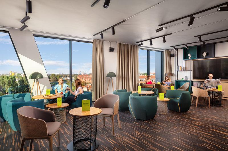 Holiday Inn Gdansk City Centre-Bar and Lounge<br/>Image from Leonardo