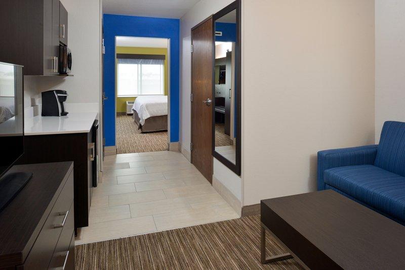 Holiday Inn Express & Suites Pueblo North-Suite<br/>Image from Leonardo