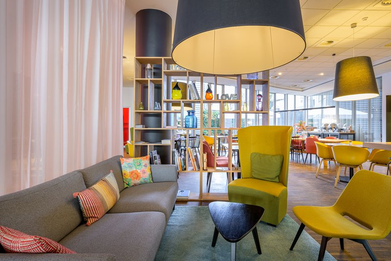 Holiday Inn Express Mechelen City Centre-Hotel Lobby<br/>Image from Leonardo