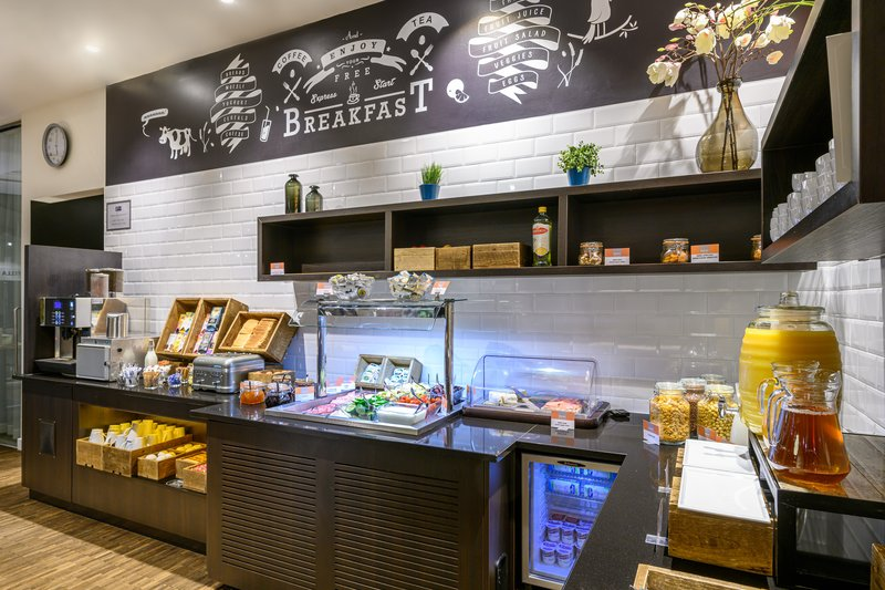 Holiday Inn Express Mechelen City Centre-Breakfast Area<br/>Image from Leonardo