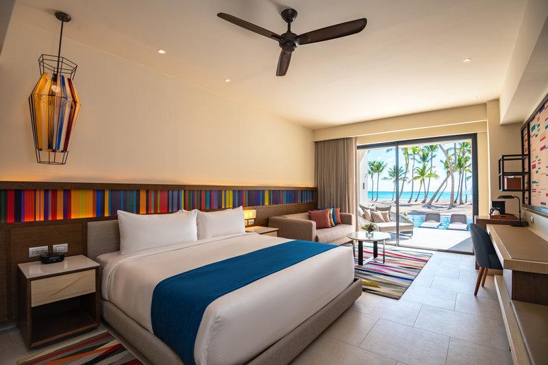 Hyatt Zilara Cap Cana  - Oceanfront Junior Suite Swim Up King Room <br/>Image from Leonardo
