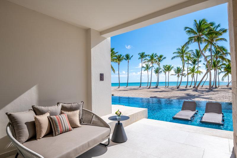 Hyatt Zilara Cap Cana  - Oceanfront Junior Suite Swim Up King View <br/>Image from Leonardo