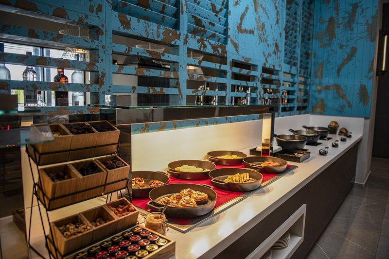 Hyatt Zilara Cap Cana  - Hyatt Zilara Cap Cana Bongos Club Lounge Buffet <br/>Image from Leonardo